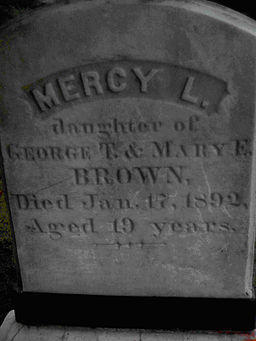 The headstone of Mercy Brown, known as Lena by her family. (Credit: CBarry123/Wikimedia Commons)