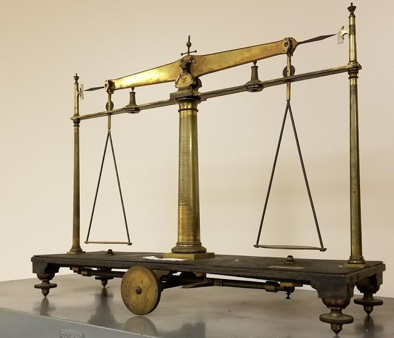 """An old Saxton Balance scale, which inspectors would have used to ensure vendors in Connecticut were talking the same """"language"""" when selling products of a specified weight. Photo by Patrick Skahill for WNPR"""