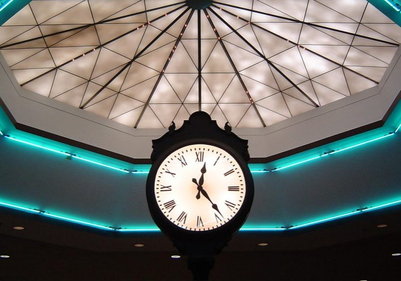 A clock in the Auburn Mall in 2006. Photo by Binkley27 via Creative Commons