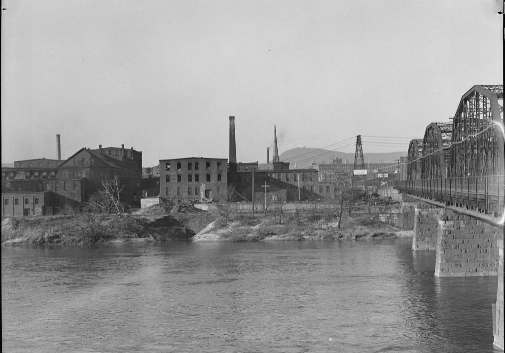 Holyoke, Massachusetts, between 1936 and 1937. Photo by Lewis Hine, courtesy of the U.S. National Archives and Records Administration