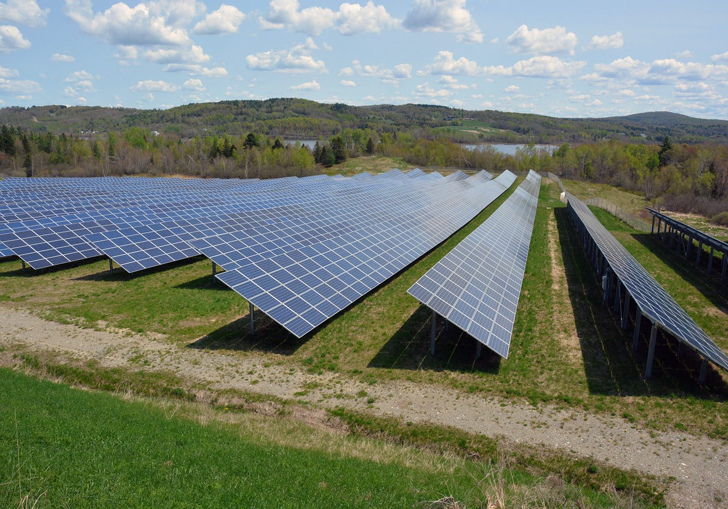 Farmington holds meeting on solar farm that would bring thousands of panels to town